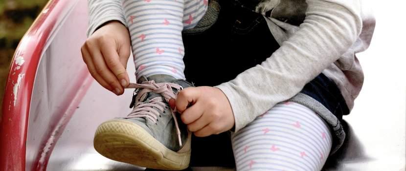 amarrarse los zapatos